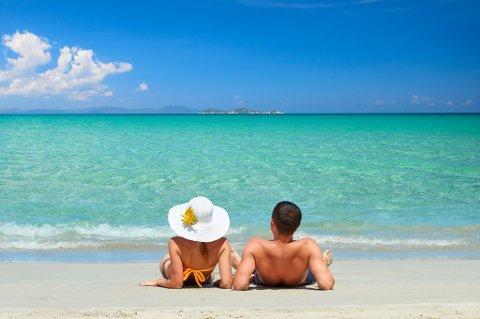 Norske par vil heller slappe av på stranda enn å ha sex mens de små er i barneklubb.