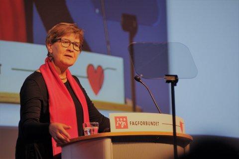 Fagforbundets leder Mette Nord anklaget regjeringen for å favorisere privat pensjonssparing for folk med godt betalte jobber framfor å løse pensjonsfloka i offentlig sektor.