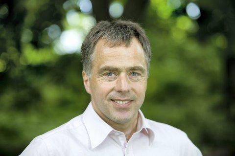 Helge Eide er direktør for interessepolitikk i kommunenes organisasjon KS.