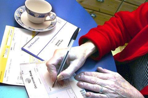 Ved utgangen av juni i år hadde 17.000 personer over 66 år betalingsanmerkninger i Norge. De siste fem årene har det vært en vekst på 60 prosent i antall eldre med betalingsproblemer.