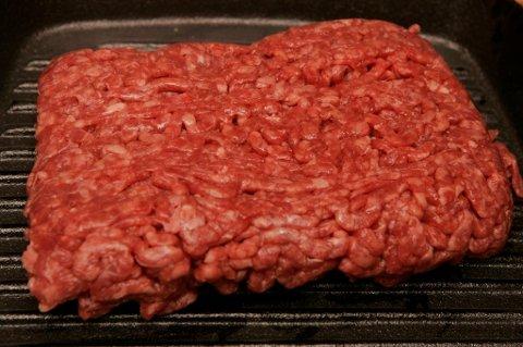 Karbonadedeig og kjøttdeig fra First Price trekkes tilbake fra butikkhyllene fordi pakkene er merket med feil opprinnelsesland.
