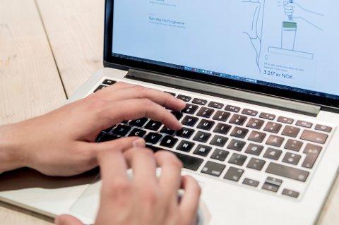 Et av internetts viktigste selskaper har lekket informasjon i et halvt år.