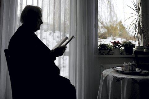 Pleietrengende over 67 år må også få rett til brukerstyrt hjelp, mener Høyre.