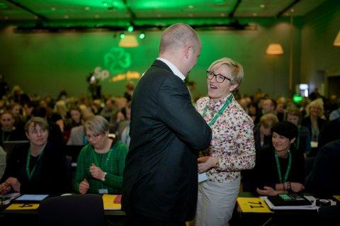 Sp varsler omkamp om langtidsplanen for Forsvaret. Her partileder Trygve Slagsvold Vedum sammen med Liv Signe Navarsete.