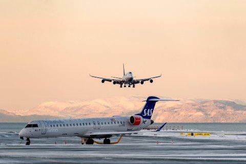 Kvinnelige flypassasjerer prioriterer miljøvennlige alternativer, sunnere mat og økt bagasjekvote.