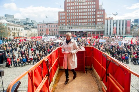 Gerd Kristiansen holdt 1. mai-tale på Youngstorget i  fjor. I år drar hun til Sør-Varanger, der hun skal holde sin siste 1.mai-tale som LO-leder.
