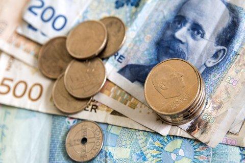 I perioden 2007-2015 var det hvert år cirka 50 milliarder kroner i omløp i kontanter.