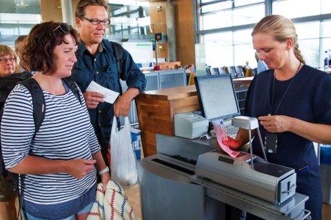 Mye skal sjekkes før du kan gå om bord i flyet.