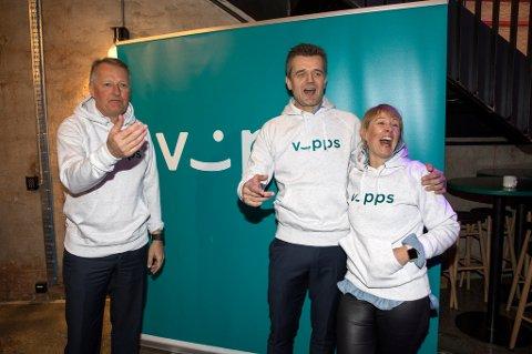 Rune Garborg (i midten), er sjef for Vipps. Her sammen med Elisabeth Haug, Vipps' viseadministrerende direktør. Rune Bjerke (t.v.) er konsernsjef i DNB.