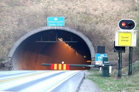 En lastebil med papir begynte å brenne i Oslofjordtunnelen 5. mai. Nå iverksettes nye branntiltak.
