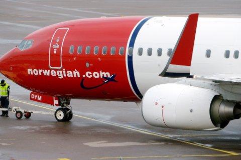 Nesten halvparten av Norwegians ankomster i Storbritannia er forsinket.