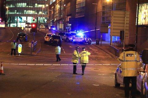 En konsert med artisten Ariana Grande i den engelske byen Manchester ble mandag kveld utsatt for et terrorangrep.