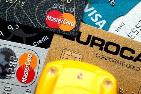 Kortbetaling og minibankuttak i utlandet blir ofte unødvendig dyrt.