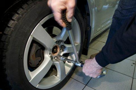 De fleste nye biler mangler reservedekk. Det betyr trøbbel for mange.