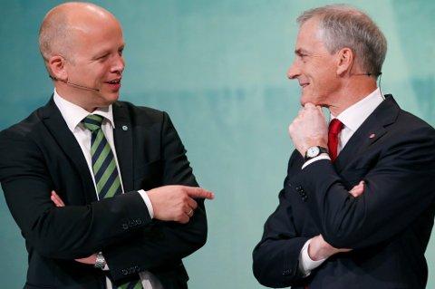 Ap-leder Jonas Gahr Støre og Sp-leder Trygve Slagsvold Vedum ligger an til å få til sammen 83 mandater på Stortinget, skal vi tro Opinions partimåling for juni. Det er bare to mandater unna flertall.