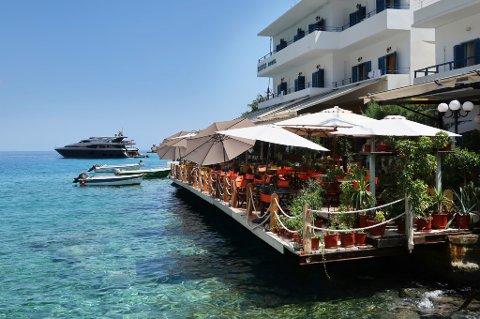 Det er ingen grunn til å bli stressa når du reiser til Loutro på Kreta. Likevel sier en av fire nordmenn at de føler stress når de planlegger ferien.