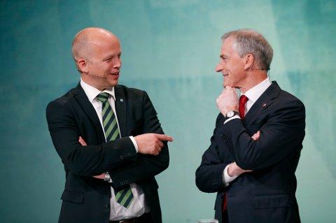 I en rekke saker samarbeider Senterpartiet og Arbeiderpartiet godt. Men om Forsvaret kan det bli krig mellom partilederne Trygve Slagsvold Vedum og Jonas Gahr Støre.