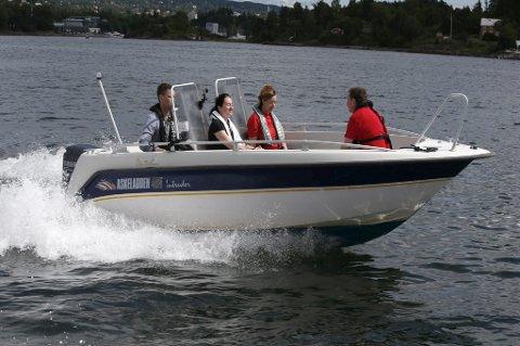 71 prosent i Vestfold oppgir at de har opplevd båtførere med høy fart og som er til sjenanse for omgivelsene, i nord er det få som har opplevd det samme.