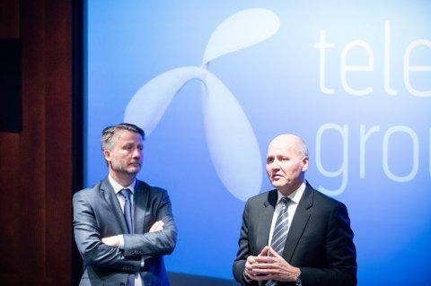 Telenor la mandag fram knalltall for andre kvartal 2017, men skal kutte kraftig i bemanningen framover.   Finansdirektør Jørgen C. Arentz Rostrup (t.v.) og konsernsjef Sigve Brekke la fram det gode resultatet mandag.