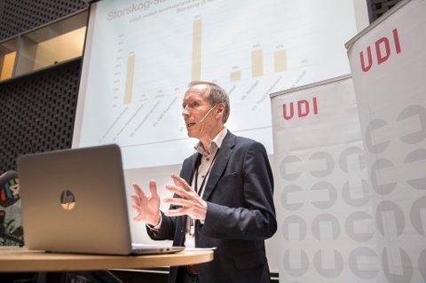 UDI-direktør Frode Forfang presenterer halvårstallene for asyl og mottak, og gir et bilde av hva som har skjedd etter de store asylankomstene i 2015.
