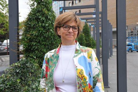 Lederen i Norsk Sykepleierforbund, Eli Gunhild By, anklager Kreftforeningen for streikebryteri.