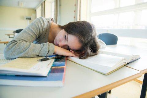 Undersøkelse viser økning i stress og medisinering blant unge jenter i videregående skole.