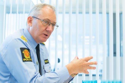 Lønningene til polititoppene, blant dem politidirektør Odd Reidar Humlegård, er svimlende, skriver ANBs kommentator.