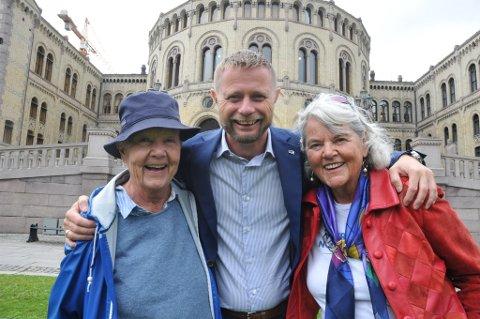 Astrid Nøklebye Heiberg (t.v.) og Agnete Tjærandsen får de beste skussmål av helseminister Bent Høie.