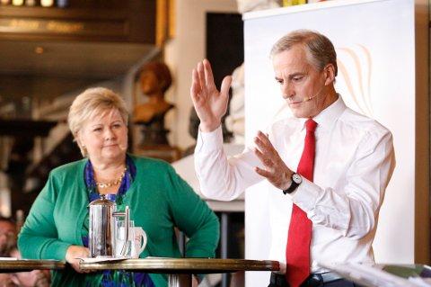 Ap-leder Jonas Gahr Støre gikk til angrep på statsminister Erna Solberg under den første valgduellen dem imellom.