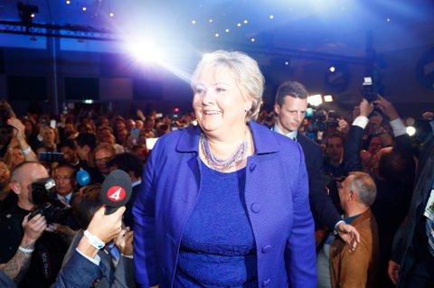 Statsminister Erna Solberg kan konstatere at hun blir sittende som statsminister.