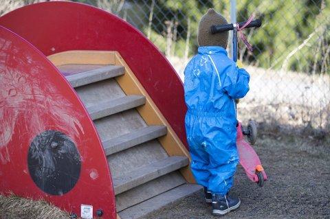 Flere tusen ettåringer er i disse dager etablert i sin nye hverdag i barnehagen.