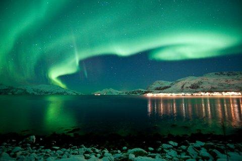 Nordlyset er populært blant utenlandske turister i Norge.