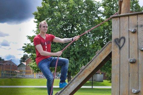 Marius Sørlie jobber seg oppover med mental trening og gir seg ikke før han når toppen.