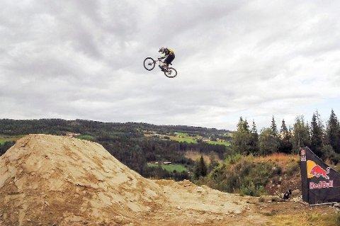 KAN VINNE: En av kandidatene til å vinne tittelen Årets sykkeltalent er Brage Vestavik (17) fra Mysen.