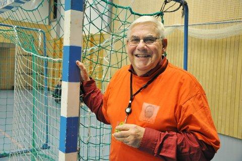 FORNØYD: Kjell Syversen i Hobøl IL håper idrettshallen vil gi flere medlemmer til Hobøl IL. Siden glansårene på 90-tallet er medlemstallet halvert. ARKIVFOTO