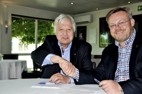 Oppfordret til å stille: Olav Brevik (t.v) får oppfordringer fra medlemmer i Indre Østfold til å stille som Høyres ordførerkandidat i den nye storkommunen. Askim-ordfører Thor Hals vurderer å si ja dersom nominasjonskomiteen spør om han vil stille.Arkivfoto