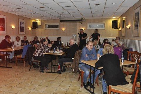 GODT BESØK: Jazzklubben er ikke i tvil om at alternative kvelder er populært, denne kvelden var det omkring 40 i publikum.