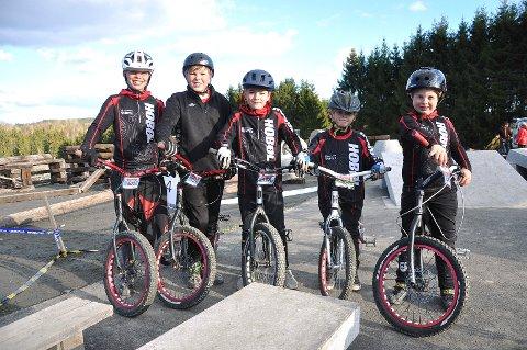 Marcus Stensrud (12, f.v.), Isak Kristiansen (12), Georg Aarbu (11), Daniel Torgersen (7) og Adrian Korseth (8) deltok alle i norgescupløpet i Tomter. Ikke tilstede: Tobias Haga.