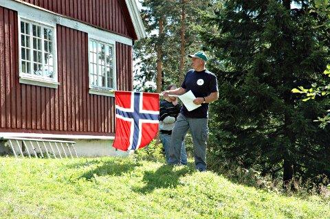 Engasjert: Harald Løvestad (73) er en av flere ivrige trøgstinger som nå har satt i gang en underskriftsaksjon mot sammenslåing. Her er han avbildet under et olabilløp i Trøgstad for noen år siden.