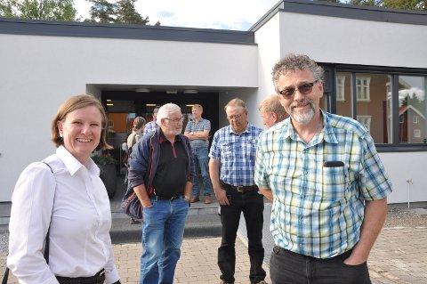 Glade: Susan Bos fra Nes Lenseteater og grunneier Sverre Koppang var svært glade for at sikringstiltak på Nes startes opp allerede i neste uke.