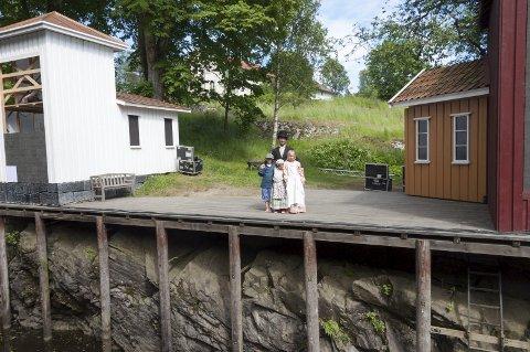 I slusene: Soot-spelet spilles i sluseanlegget på Ørje fra 23. juni til 2. juli. Nå håper skuespillerne på bra vær, slik som tidligere år.