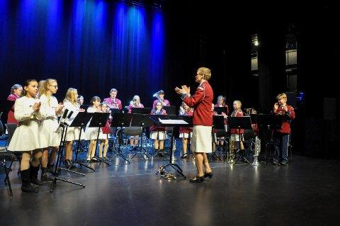 FIKK IGJEN: Tenor skolekorps, her med  dirigent Elisabeth Strengen Gundersen, har fått dekket alle sine utgifter etter sommerens turfadese. ARKIVFOTO