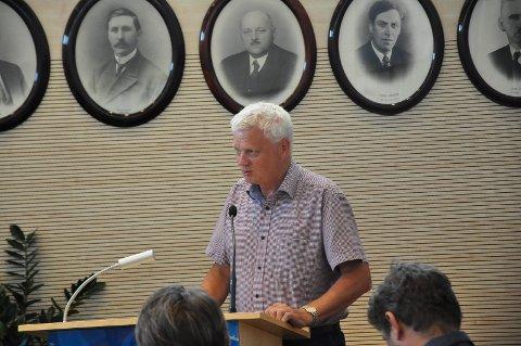 VIL SKYTE: Inntil 36 dyr vil den tidligere Askim-ordføreren Trygve Westgård(Ap) skyte til vinteren. Han fikk flertall i rovviltnemda sammen med folk fra Hedmark.