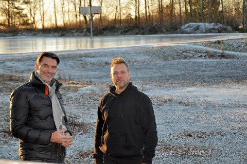 Generøst: Øyvind Bakke (t.v) kaller gaven fra fagforeningen gererøs. Her sammen med Morten Hødal, begge sentrale i Folkeparkens venner.
