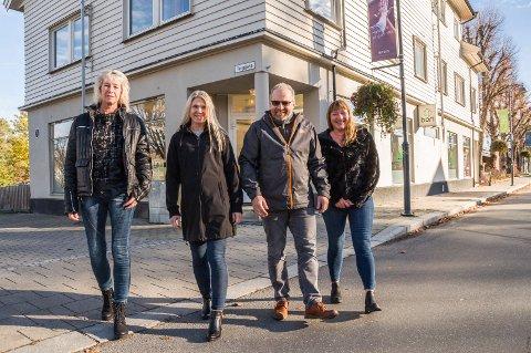 Bori BBL: Hit, til dette bygget i Storgata, har Bori BBL nå flyttet sin Mysen-avdeling med fire medarbeidere. F.v. Anett Riiser Solheim, Hege Sand, Ole Nadden og Ann-Marith Dragic.