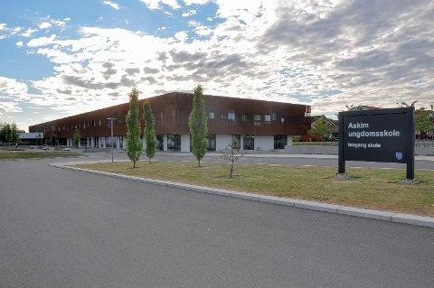 Fuktskader: Hvem skal betale regningen etter fuktskadene på Askim ungdomsskole? Kommunen eller entreprenørselskapet Skanska as?