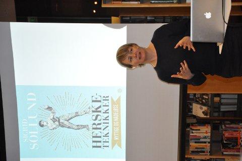 Morsom: Sigrid Sollund holdt et morsomt og bevisstgjørende foredrag på Mysen.