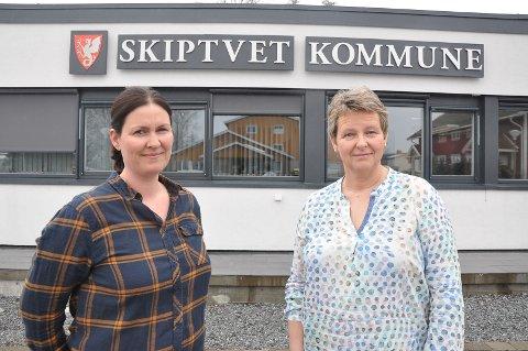 Eirin Solberg og Anne-Grethe Larsen (Sp) stilte spørsmål om veiløsningene i Holstadåsen.