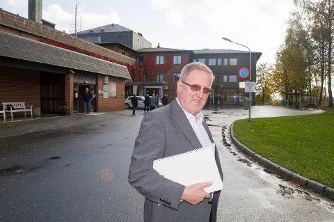 Ordfører i Skiptvet, Svein Olav Agnalt (Ap), er svært skuffet over at det har vært eiermøte i Helsehuset uten at han ble invitert.