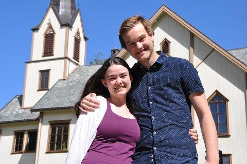 PAR I HJERTER: Susanne Bjorvand (21) og Chris-Mikael (22) gifter seg i Askim kirke i dag etter nesten fem år som kjærester.